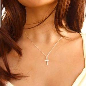 Layering cross chain neck